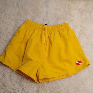 VTG Bright Yellow Dive Lined Swim Trunks Large